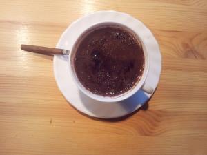K rozlití kávy stačí chvilka nepozornosti